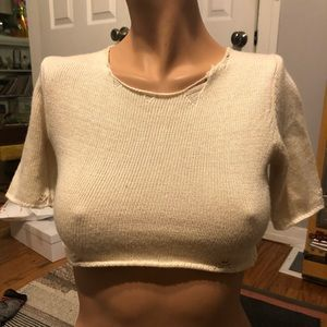 UNIF small beige distressed crop top